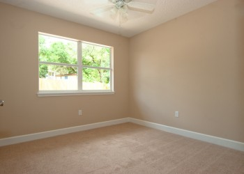 Image of a bedroom and windows